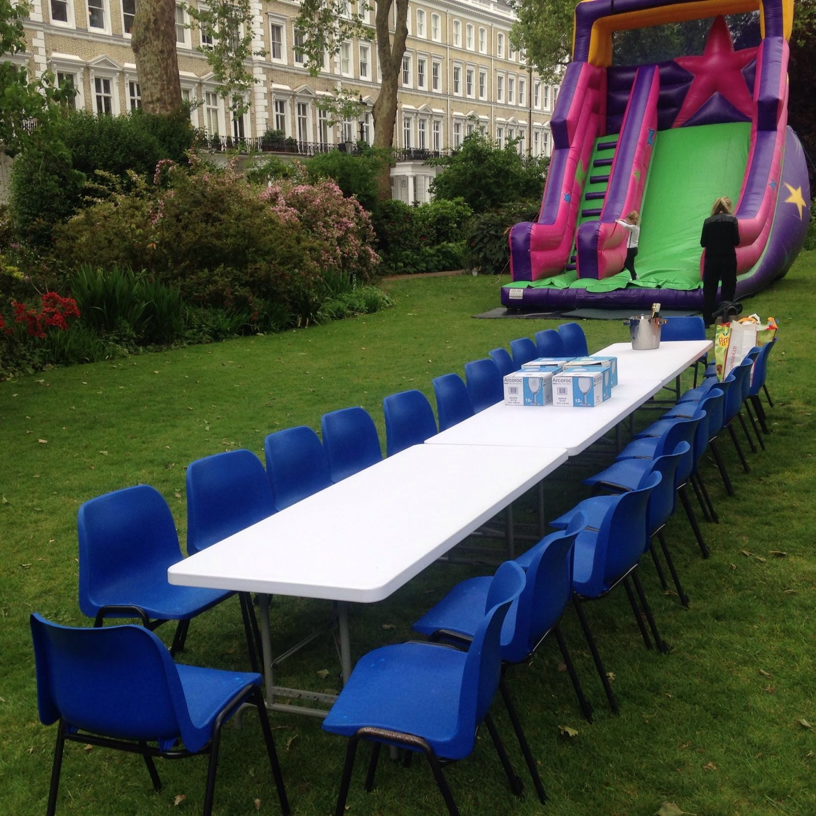 Chairs and tables for adults and children mobile soft for Fun chairs for adults