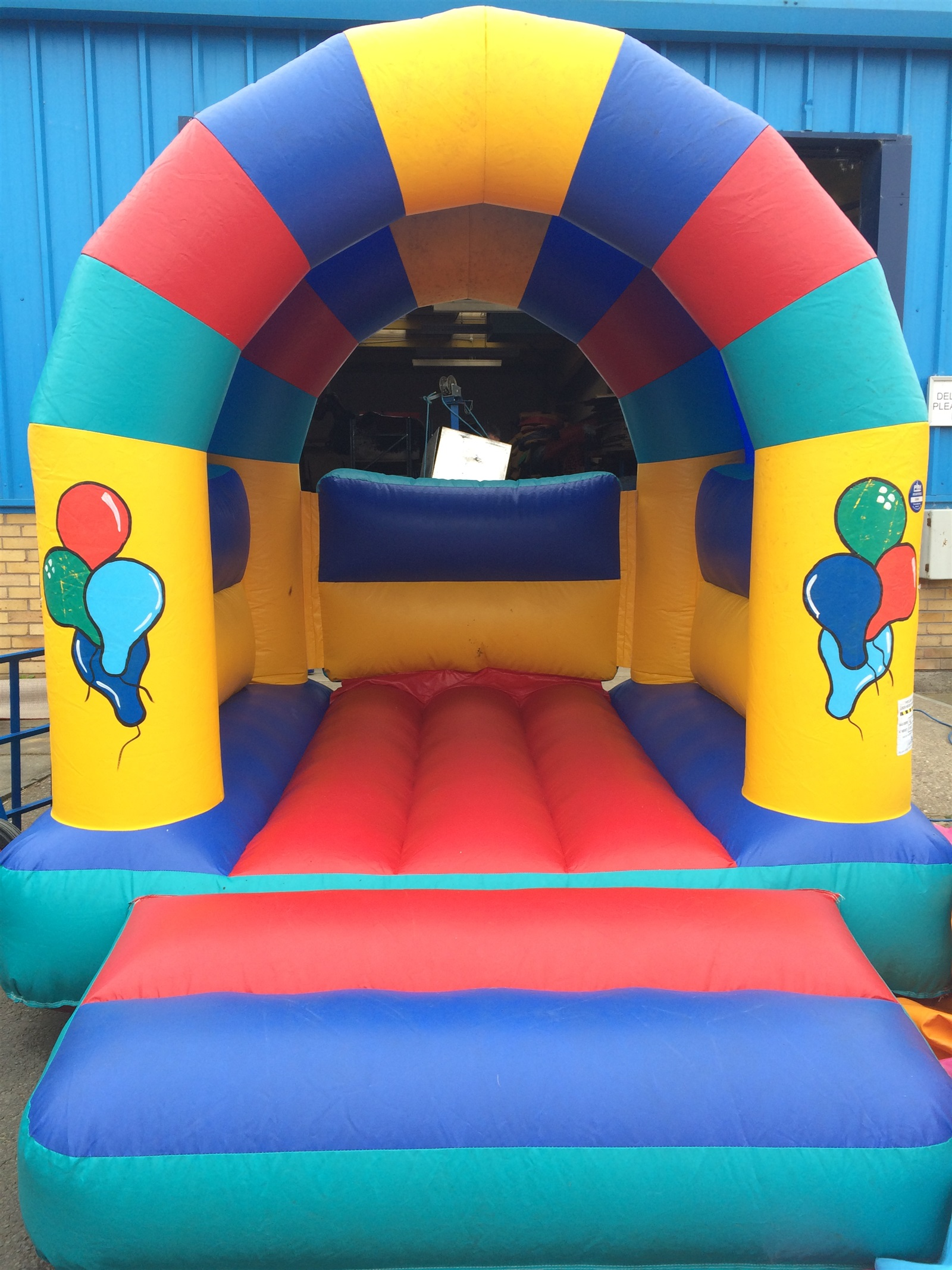 Small Celebration Castle Up To 5 Hours Hire Bouncy
