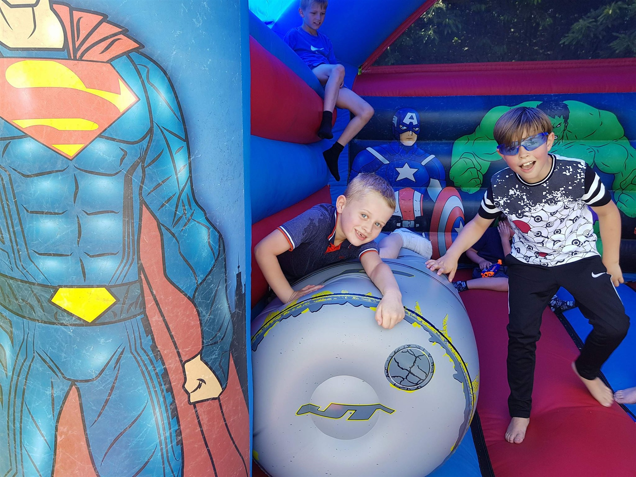 15x15 Superhero Castle - Bouncy Castle & Inflatable Hire in Leeds ...
