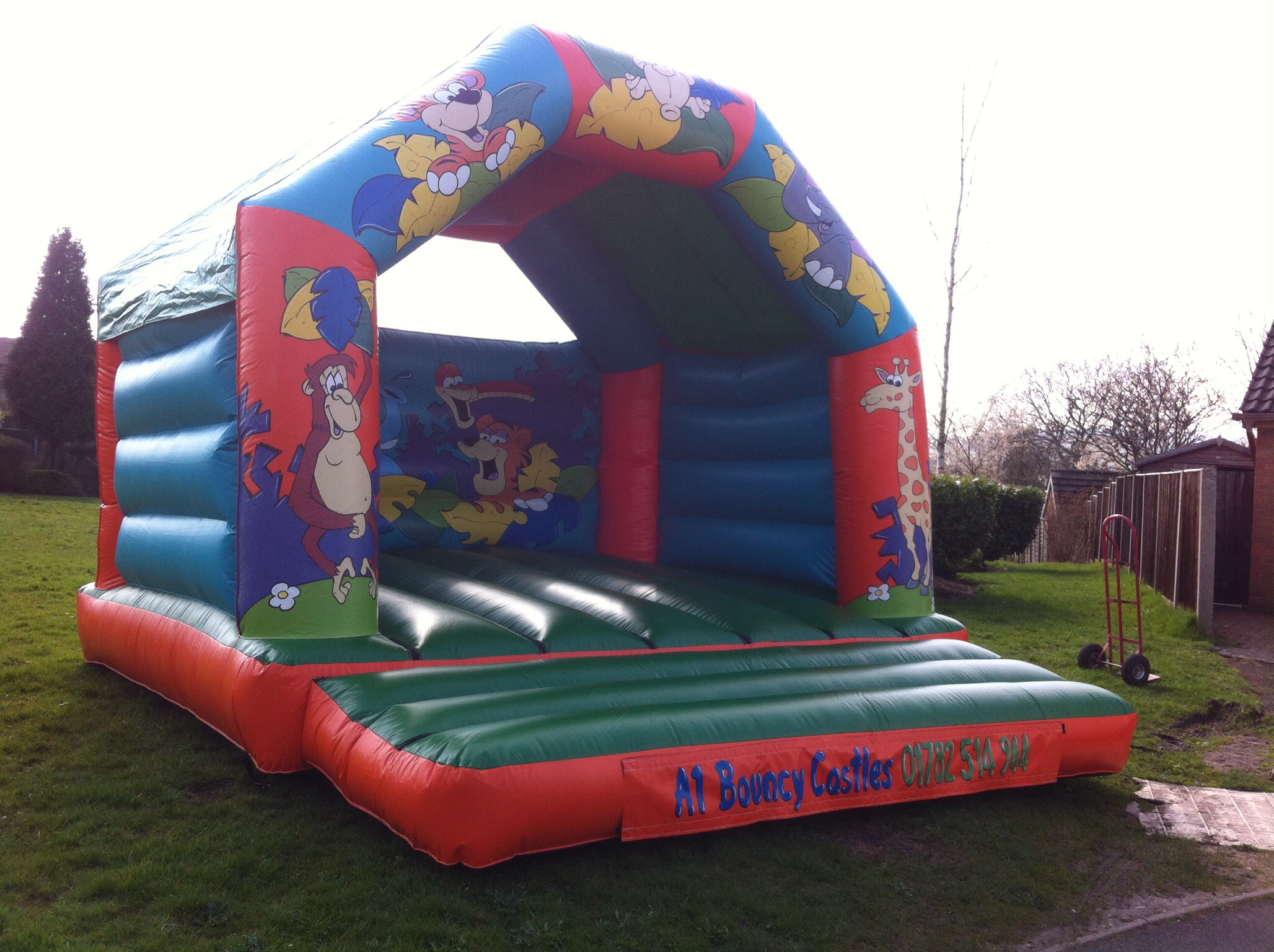 jungle bouncy castle hire in stoke on trent bouncy. Black Bedroom Furniture Sets. Home Design Ideas