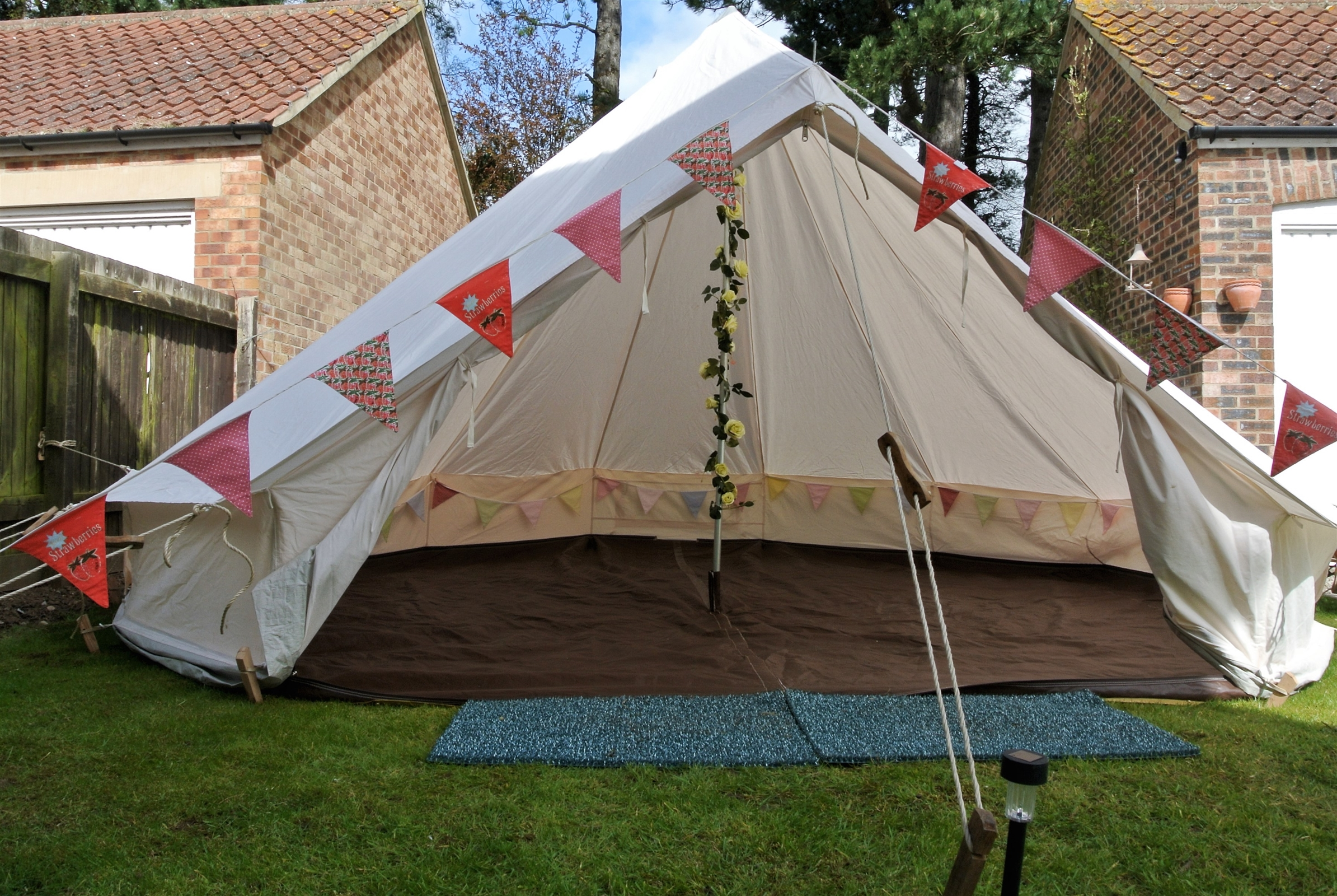 Bell Tent Tea Party Package for 12 (1 Day hire) - Childrenu0027s Entertainment in Leeds & Bell Tent Tea Party Package for 12 (1 Day hire) - Childrenu0027s ...