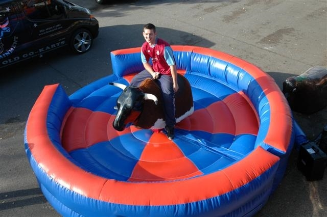 Bucking Bronco Hire Rodeo Bull Rides Hire In The Uk