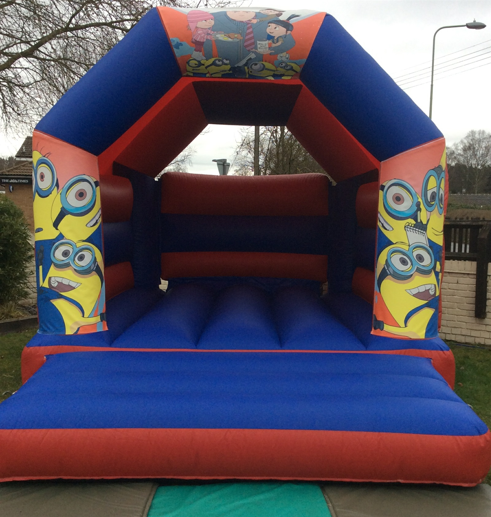 Inflatable Slide Hire Uk: Bouncy Castle Hire And Soft Play Hire Now