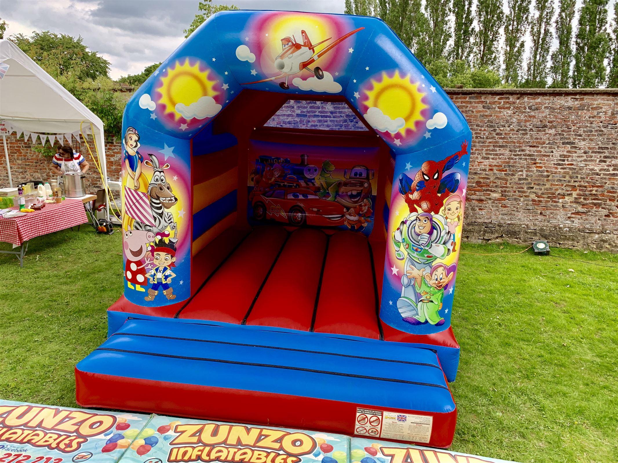 gaixample.org Royalbeach Bouncy Castle Castle 16030 Toys & Games ...