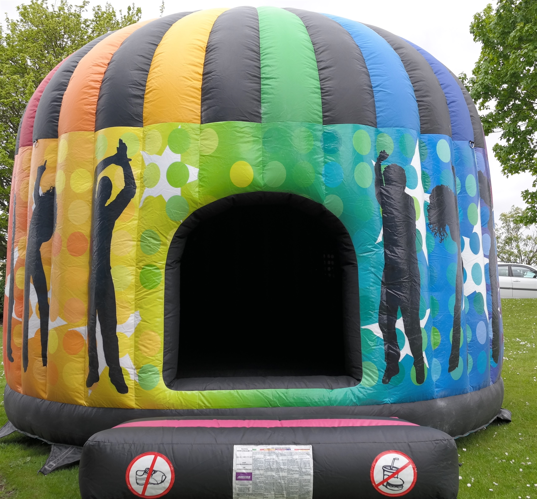 Trampoline Party Glasgow: Rainbow Disco Dome (Up To 5 Hours Hire)