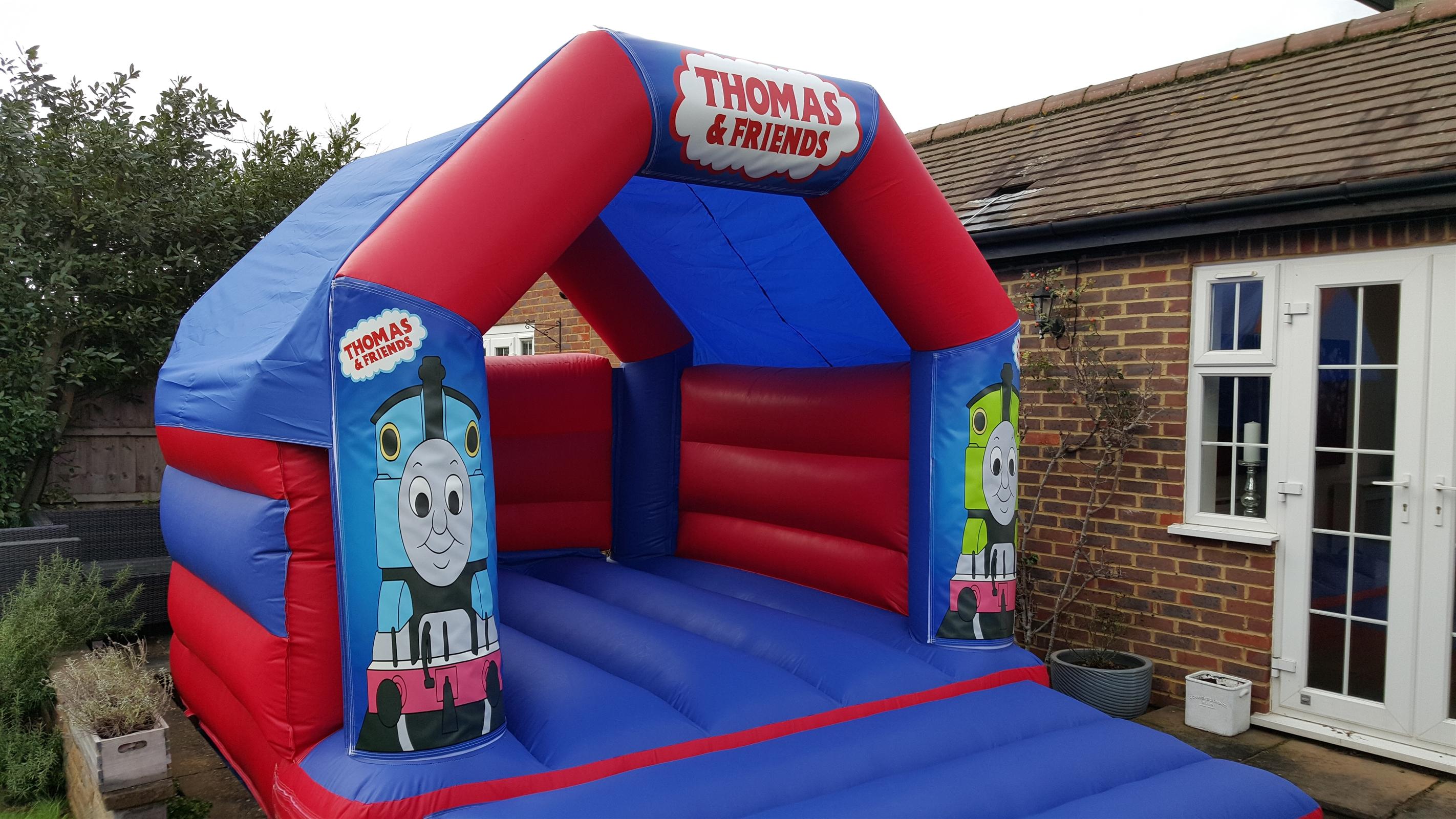 Thomas The Tank Engine Bouncy Castle 15ft Vs 11ft Bouncy