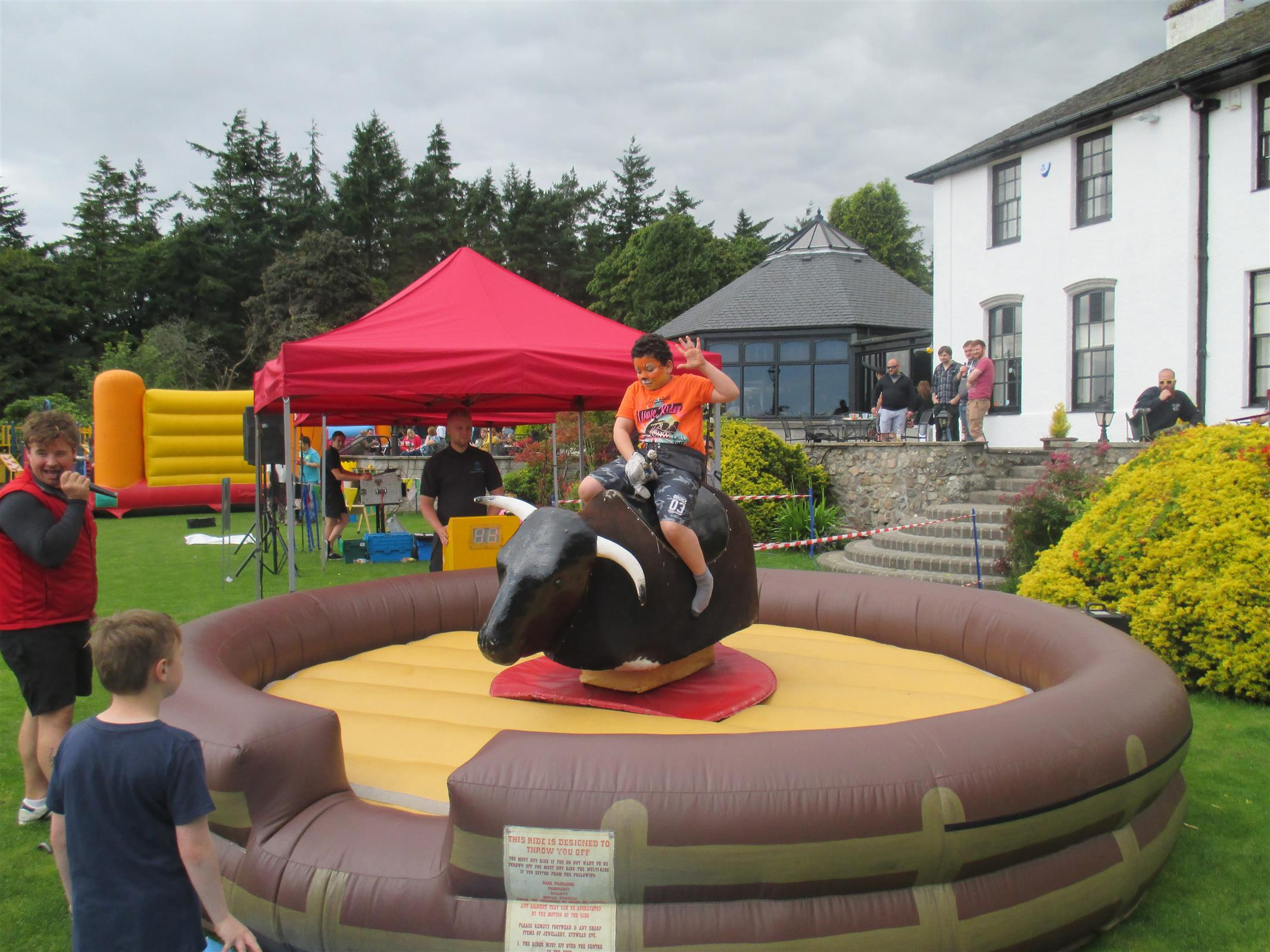 Inflatable Fun And Games For Gala Days In Fife Edinburgh And Glasgow