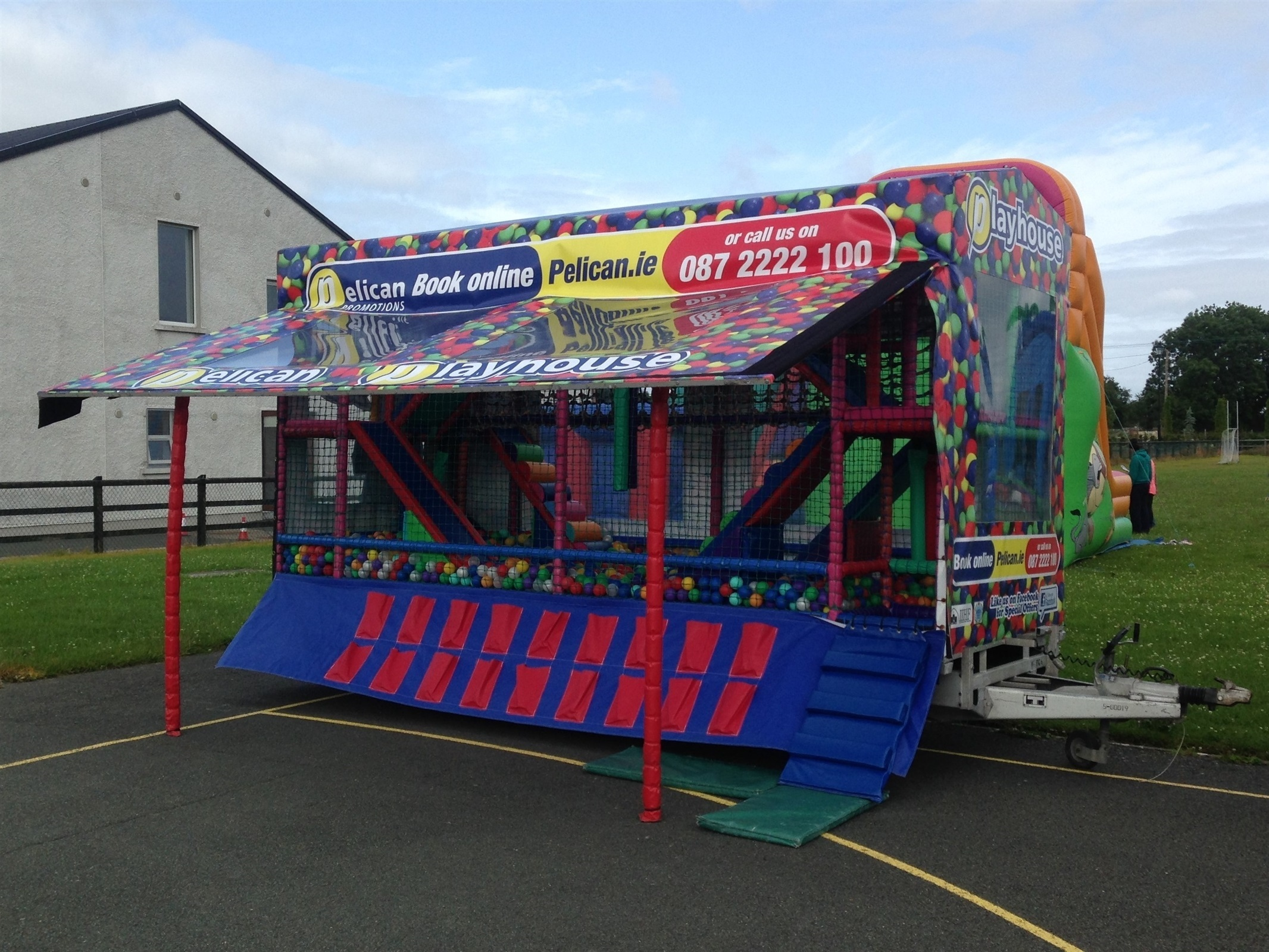 playhouses bouncy castles marquees parties events in. Black Bedroom Furniture Sets. Home Design Ideas