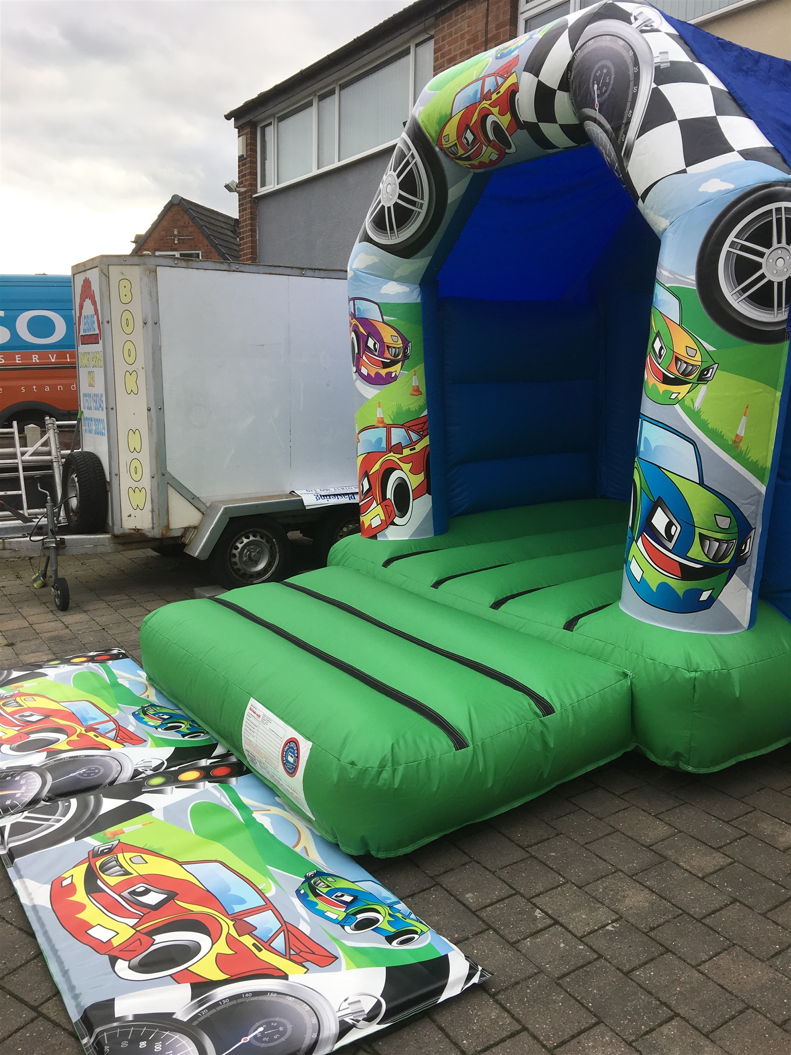 10 Kitchen And Home Decor Items Every 20 Something Needs: Small 8 X 11 Bouncy Castle Cars Themed