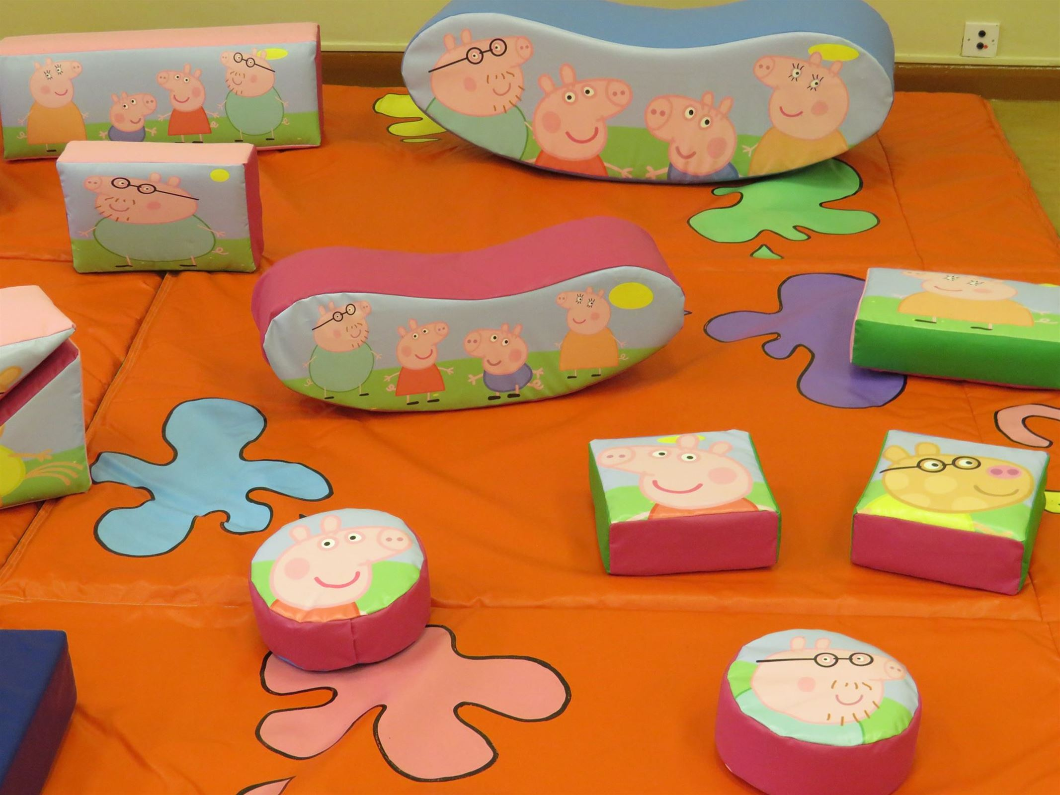 Peppa Pig Soft Play Bouncy Castle Hire In Southport