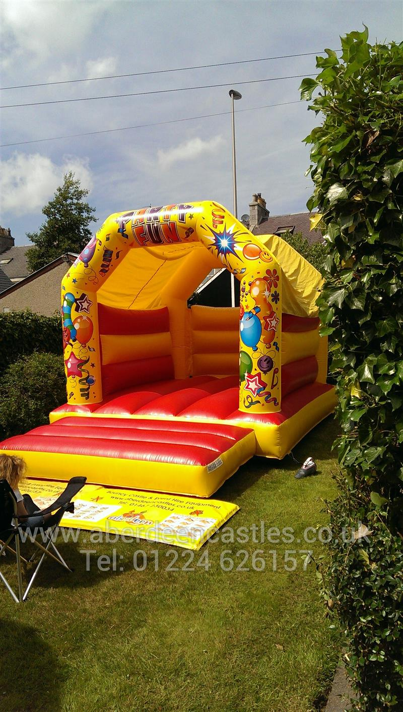 Party Fun Red Amp Yellow Bouncy Castle Bouncy Castles In