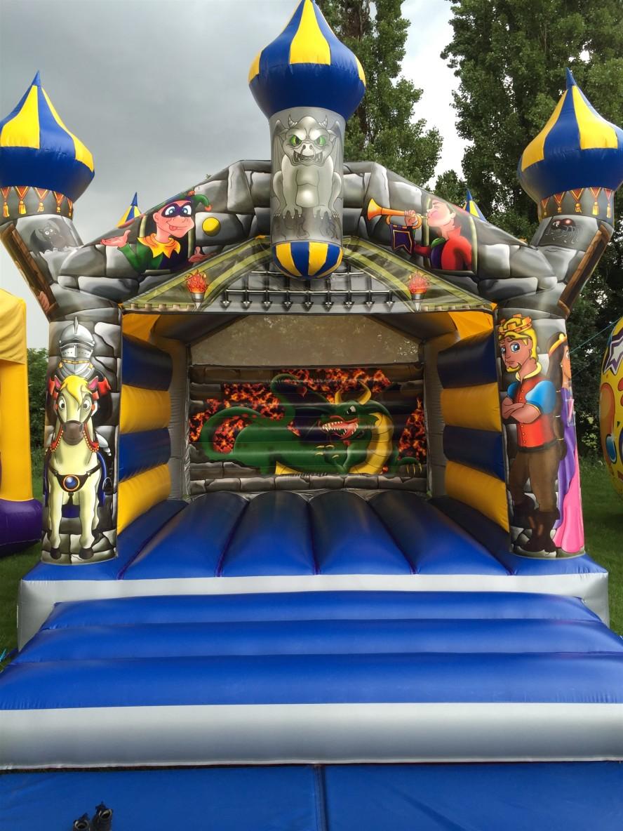 Camelot Elite Bouncy Castle