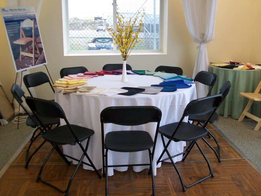 Large Table Chair Al Packages, Round Tables For Parties