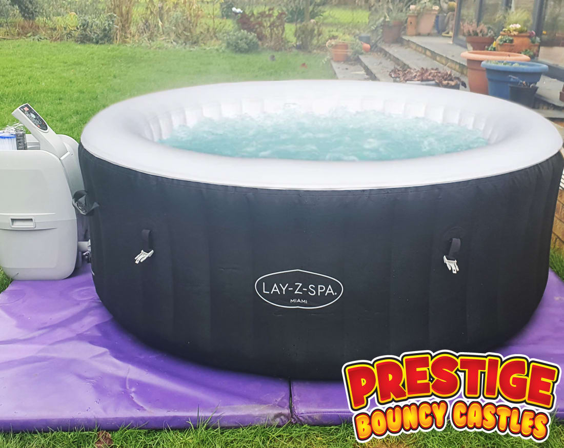 Hot Tub Only Hire Up To 5 Person Bouncy Castles Funfair And Entertainment Hire In Leicester Rugby Coventry Nuneaton Hinckley Lutterworth Surrounding Areas