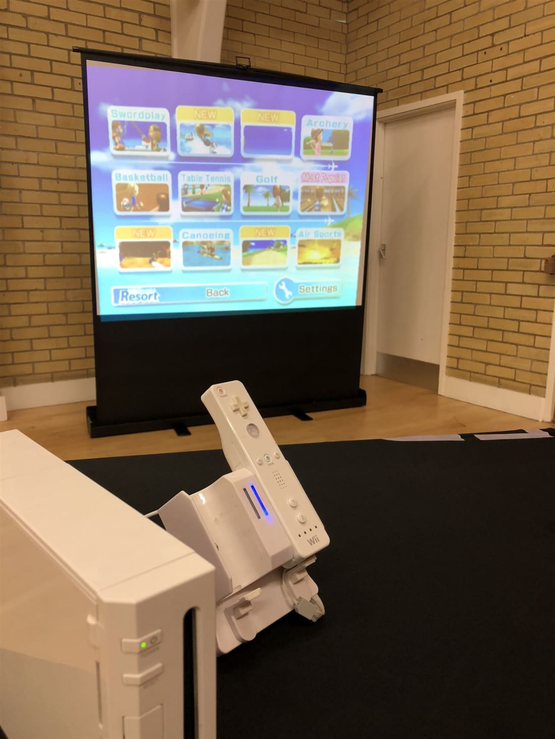 Exhibition Stand Hire Kent : Big screen nintendo wii hire bouncy castle hire in colchester