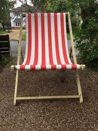 Giant Deck Chair Hire # Wow Get you Camera Ready!