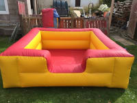 LARGE YELLOW INFLATABLE BALL POOL 8FTX8FT with balls