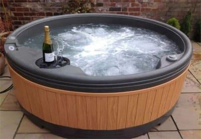 Hot Tub Hire Essex Spa Hire Essex Hot Tubs In Essex Benfleet Chelmsford Brentwood Upminster Kent Surrey Hot Tub Hire Essex